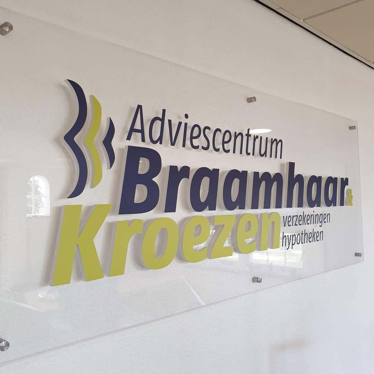 Huisstijl-gevelreclame-Braamhaar&Kroezen-burobedenkt