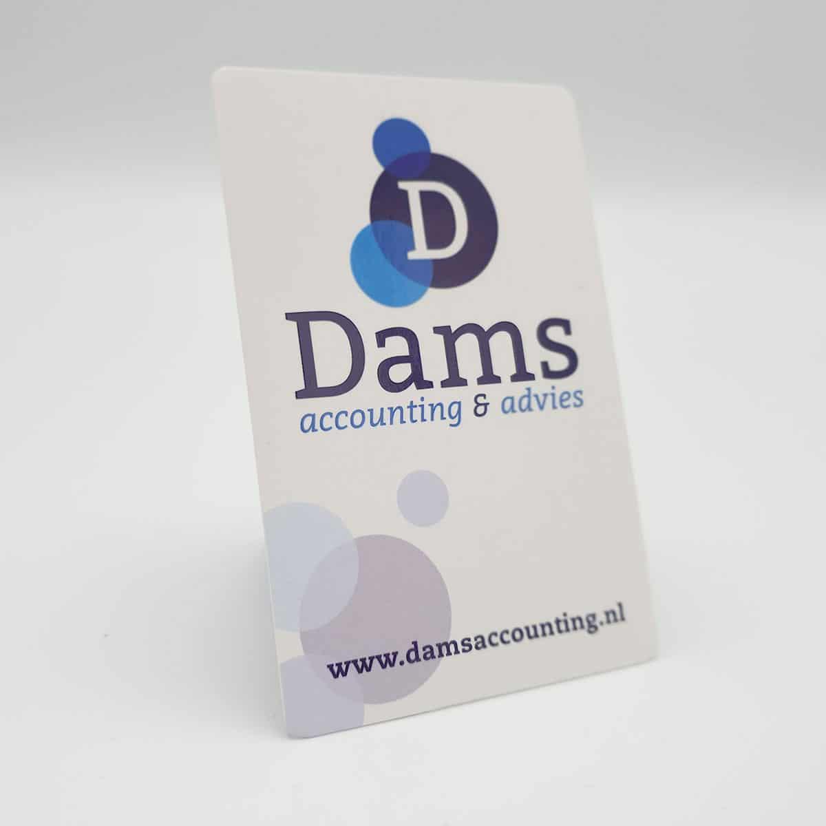 Huisstijl-visitekaartje-Dams-Accounting-burobedenkt