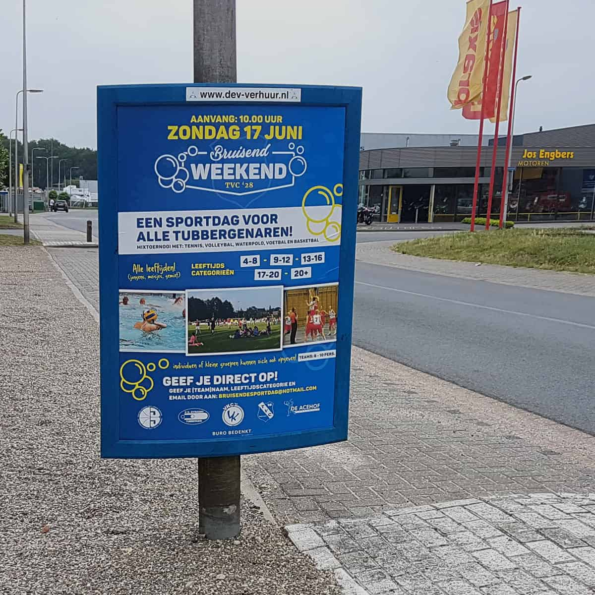 A0-poster-mockup-tvc28-bruisend-weekend-burobedenkt